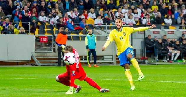 Isaac Kiese Thelin gör 4-0 för Sverige