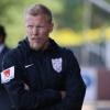 Assyriska sparkar tränare Samuelsson inför slutspurten